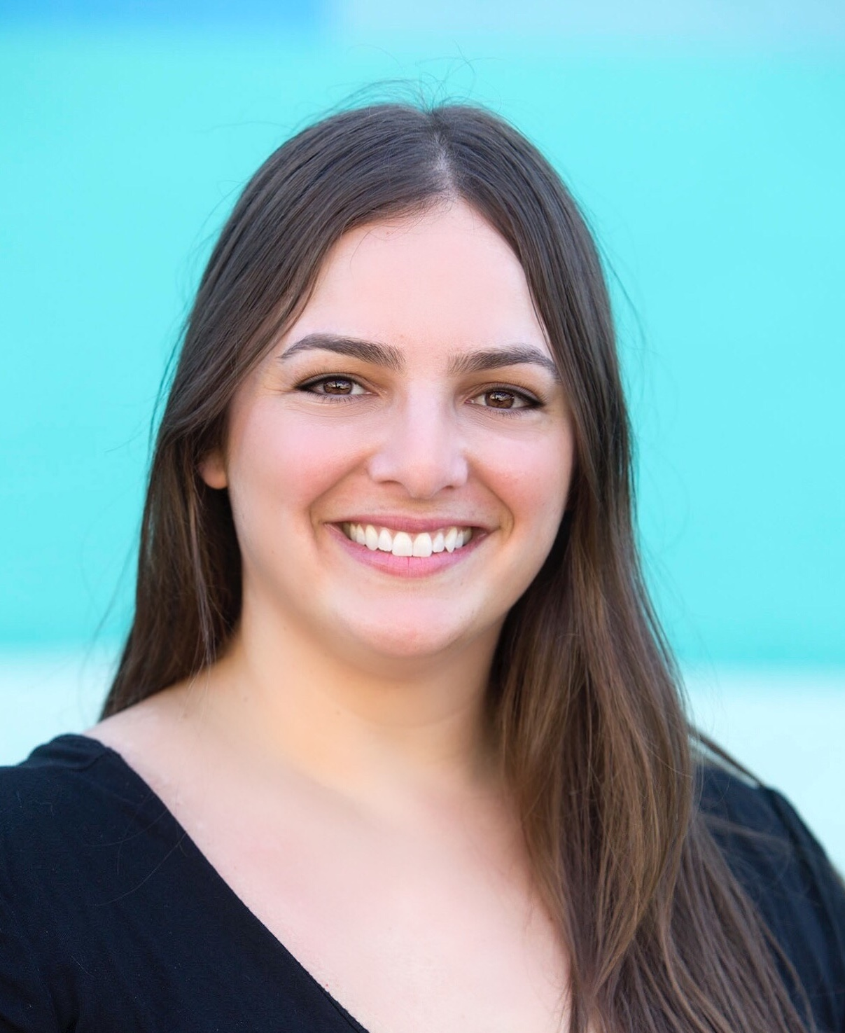 I'm Jodee. I'm a licensed psychotherapist supporting individuals, couples,  and families in the San Francisco Bay Area.
